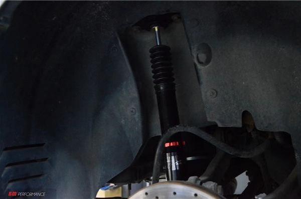 克莱斯勒300C改装气动避震低姿态 大胆创新